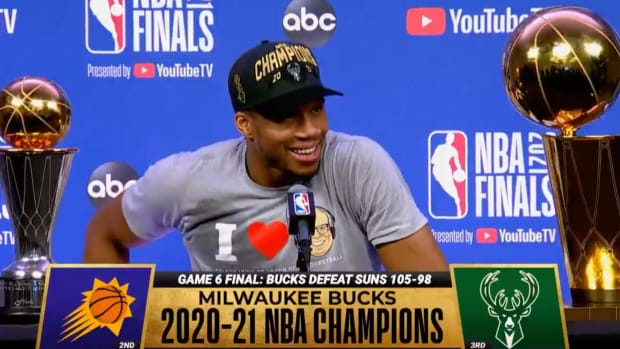 """""""I'm Out Now"""": Giannis Antetokounmpo Hilariously 'Demands A Trade' After NBA Championship Win With Milwaukee"""