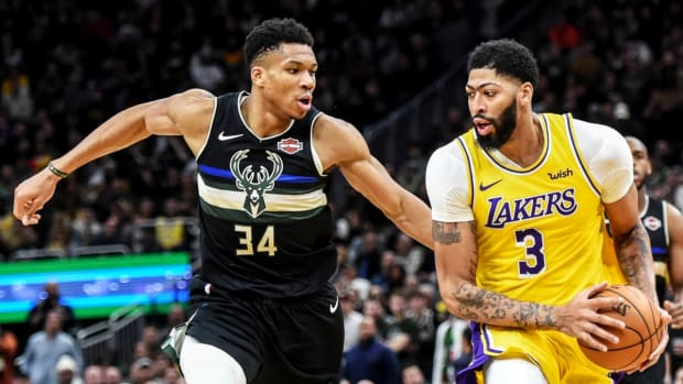 """Milwaukee Bucks Legend Oscar Robertson On Giannis Antetokounmpo: """"The Only Person I Think Has The Size To Have A Decent Chance At Guarding Giannis Is AD From The Lakers"""""""