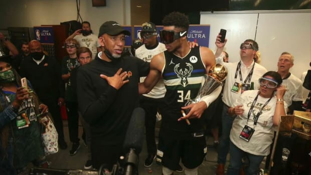 """Giannis Antetokounmpo Says It Was Him Who Invited Suns Coach Monty Williams Into Bucks Locker Room- """"I Walked In With Him..."""""""