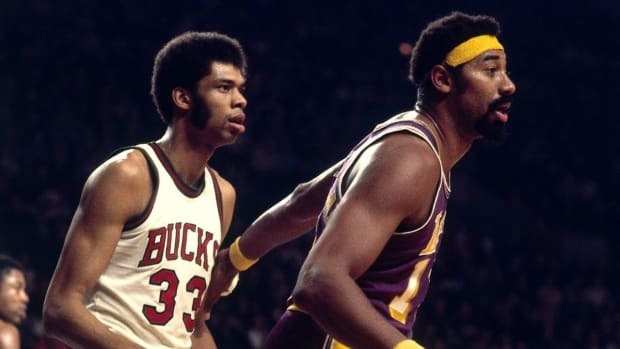 """How Wilt Chamberlain And Kareem Abdul Jabbar's Relationship Fell Apart: From """"My Hero"""" To """"Crybaby And Quitter"""""""