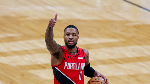 """NBA Rumors- Damian Lillard Wants To Play With """"Super-Athletic And Mobile Big Man."""""""