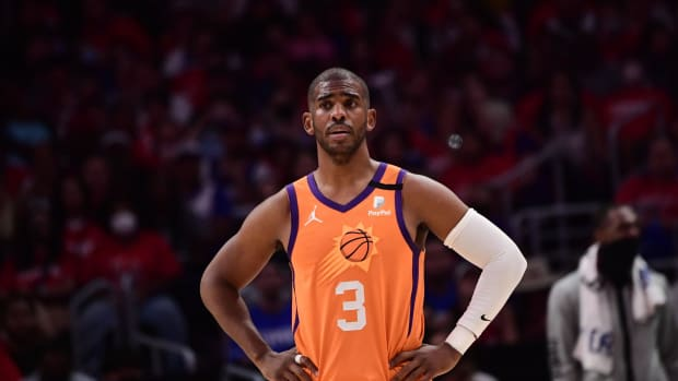 """Suns Owner Robert Sarver Says He Doesn't Know If Chris Paul Will Return Next Season- """"We'll See Next Week..."""""""