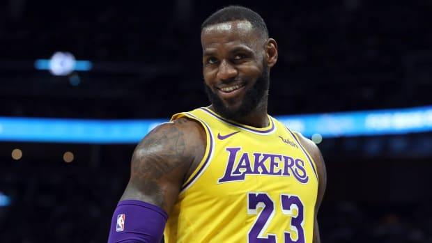 LeBron James Reacts To Lakers' Free Agency Moves