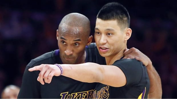 """Jeremy Lin Reveals What Kobe Bryant Said To Teammates Before The Trade Deadline: """"I Just Came By To Say Bye To Some Of You Bums Who Are Going To Get Traded Tomorrow"""""""