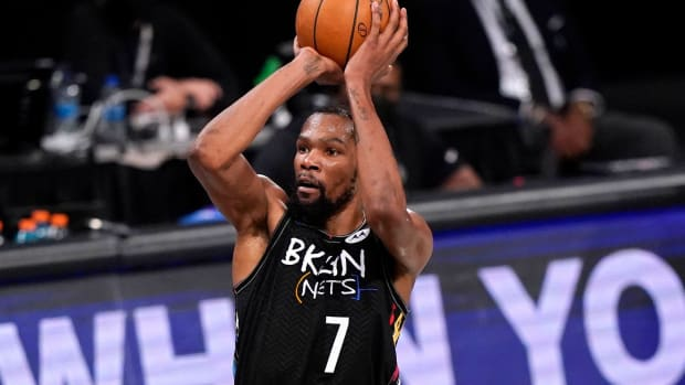 """Stephon Marbury On What Makes Kevin Durant So Special- """"We've Never Seen A Guy At 6'10"""" Handle The Ball The Way He Handles The Basketball."""""""