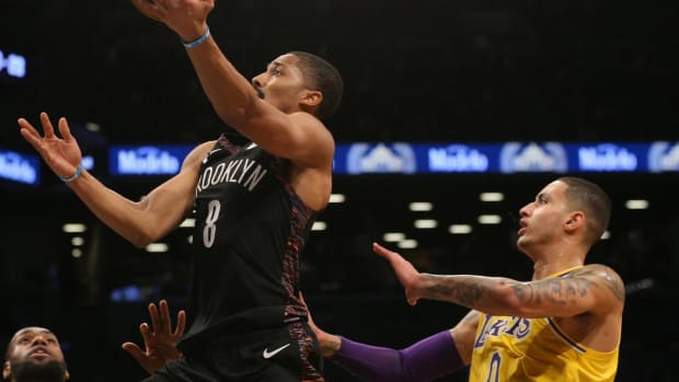 """Spencer Dinwiddie Responds To Kyle Kuzma Scoring On Him In Practice: """"Yet Another Teammate That Can't Guard Me"""""""