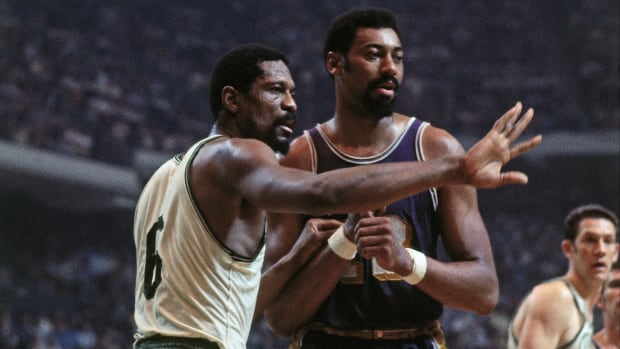 """Wilt Chamberlain Slams Narrative Of Bill Russell Carrying The Celtics: """"It Bothered Me Because It Wasn't True"""""""