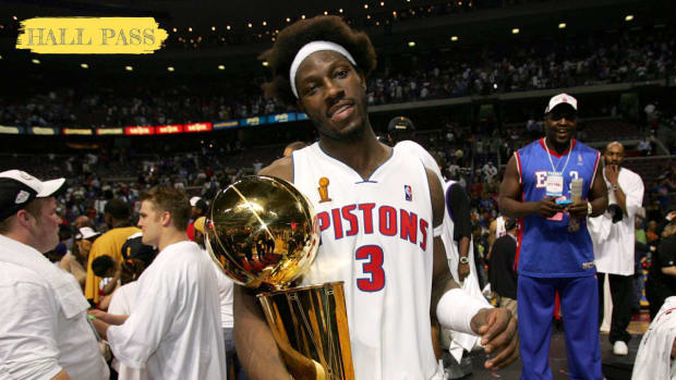 """Ben Wallace Looks Back On His Career In Hall Of Fame Speech: """"Hoop Dreams Die Hard If You Don't Give The Game Your All."""""""