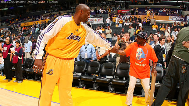 """Kobe Bryant To Spike Lee After Scoring 61 Against The Knicks: """"MJ 55 - Your Fault. 61 - Your Fault"""""""