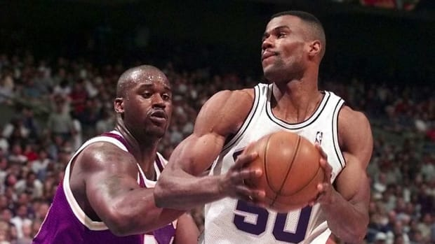 """Shaq On His Beef With David Robinson: """"It Was All Made Up."""""""