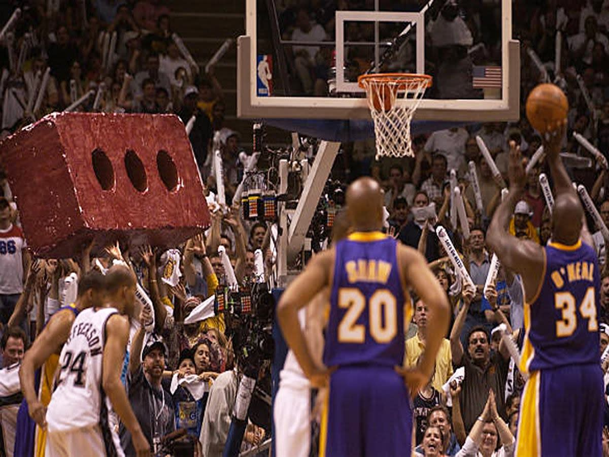 When Nets Fans Brought A Brick To The Arena To Troll Shaquille O'Neal During The 2002 NBA Finals Against The LA Lakers