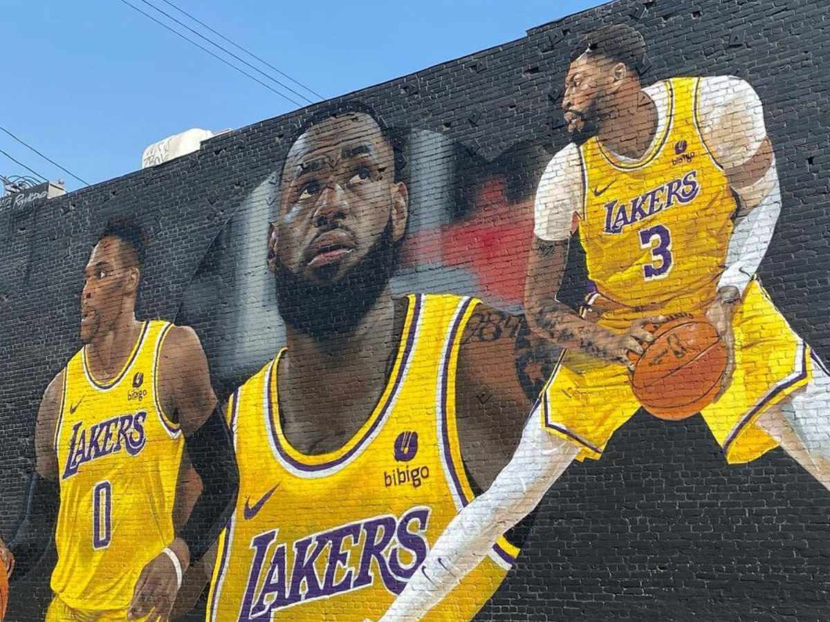 """LeBron James Reacts To Epic 'Big 3' Mural In Los Angeles: """"Need To Go Check That Out!"""""""