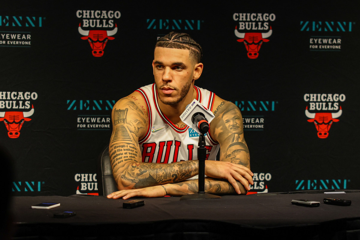 """Lonzo Ball Says He Will Be """"Getting Back To Being More Of A Traditional Point Guard"""" With The Chicago Bulls"""