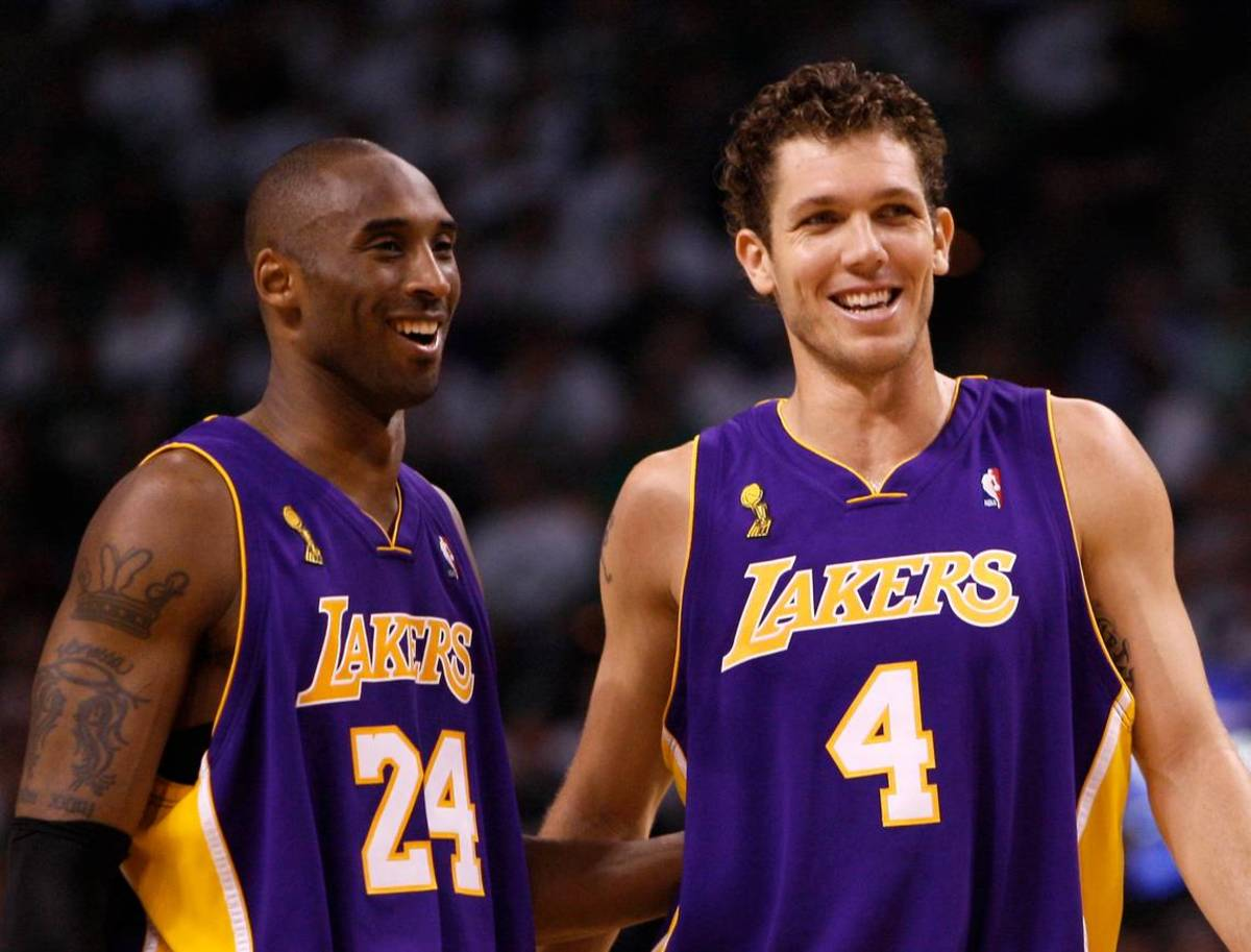 """Kobe Bryant Warned A Rookie Luke Walton After He Came To Practice Hungover: """"I See And Smell Weakness. I'm Going To Destroy You Today."""""""
