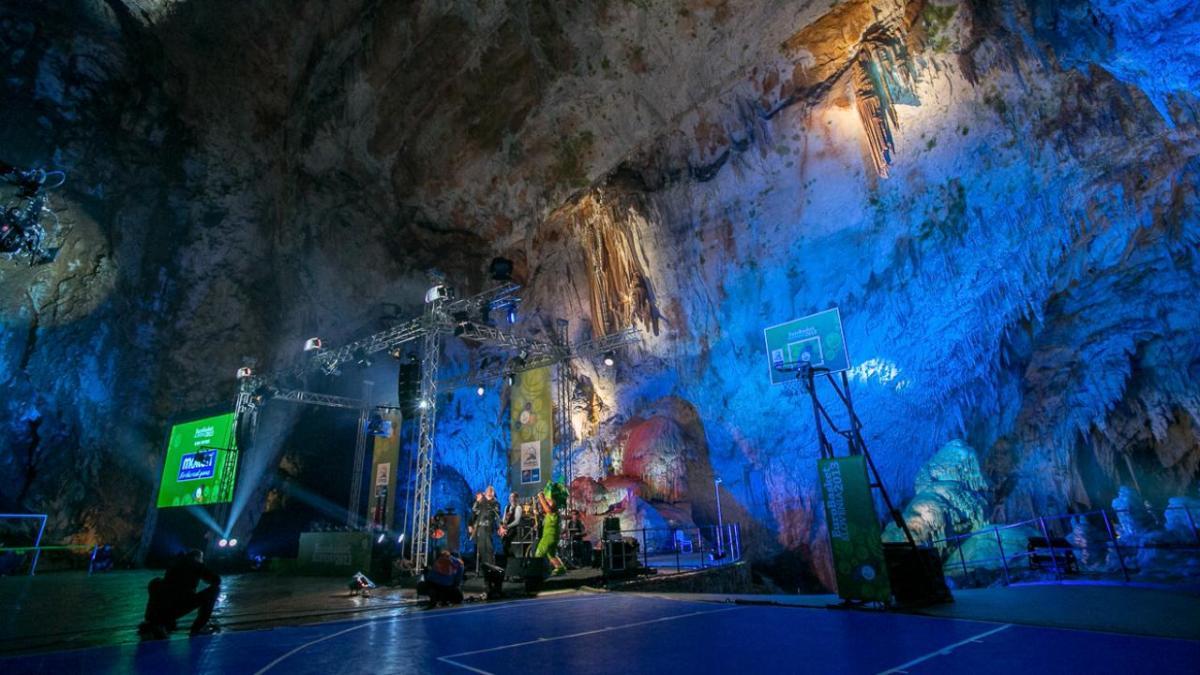 Eurobasket 2013 Pop Up Court In Postojna Cave (Slovenia)