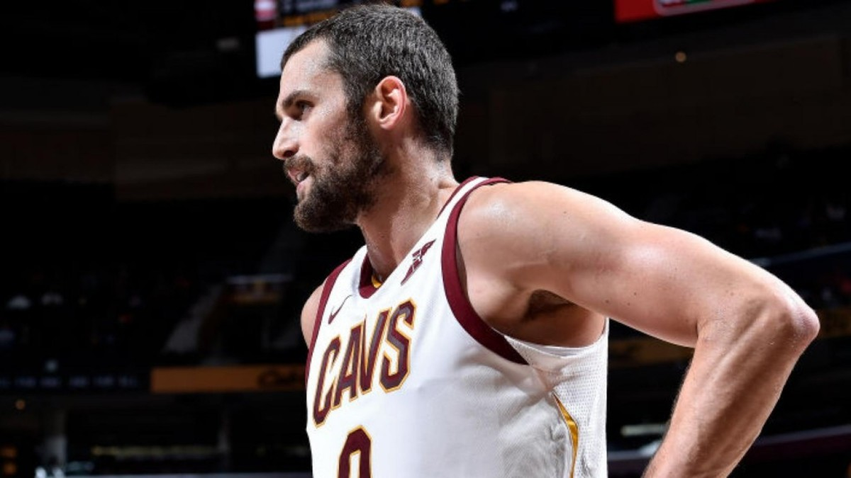kevin-love-iso-stands