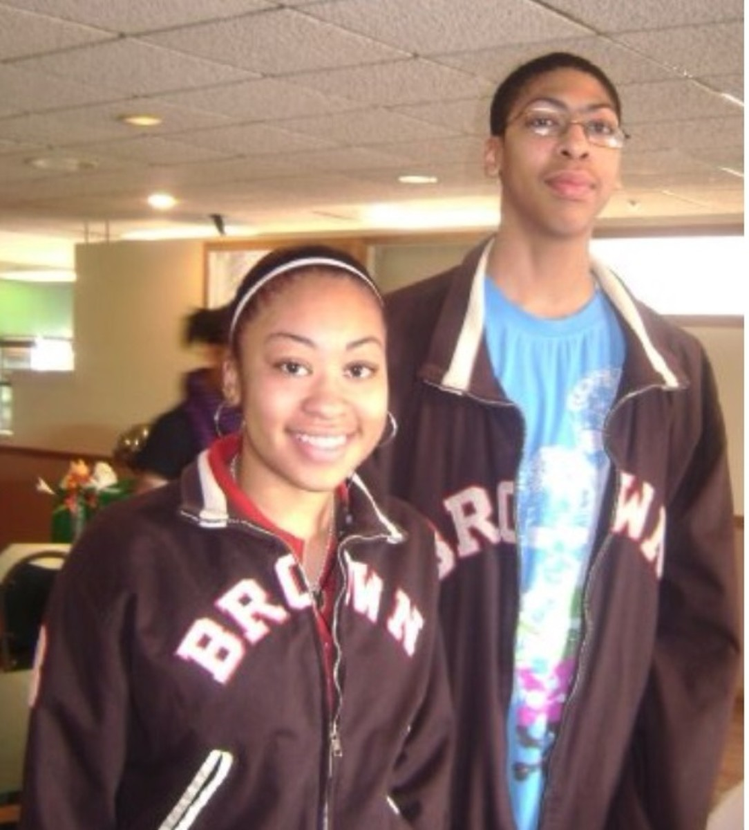 6 NBA Players Who Have Twin Sisters