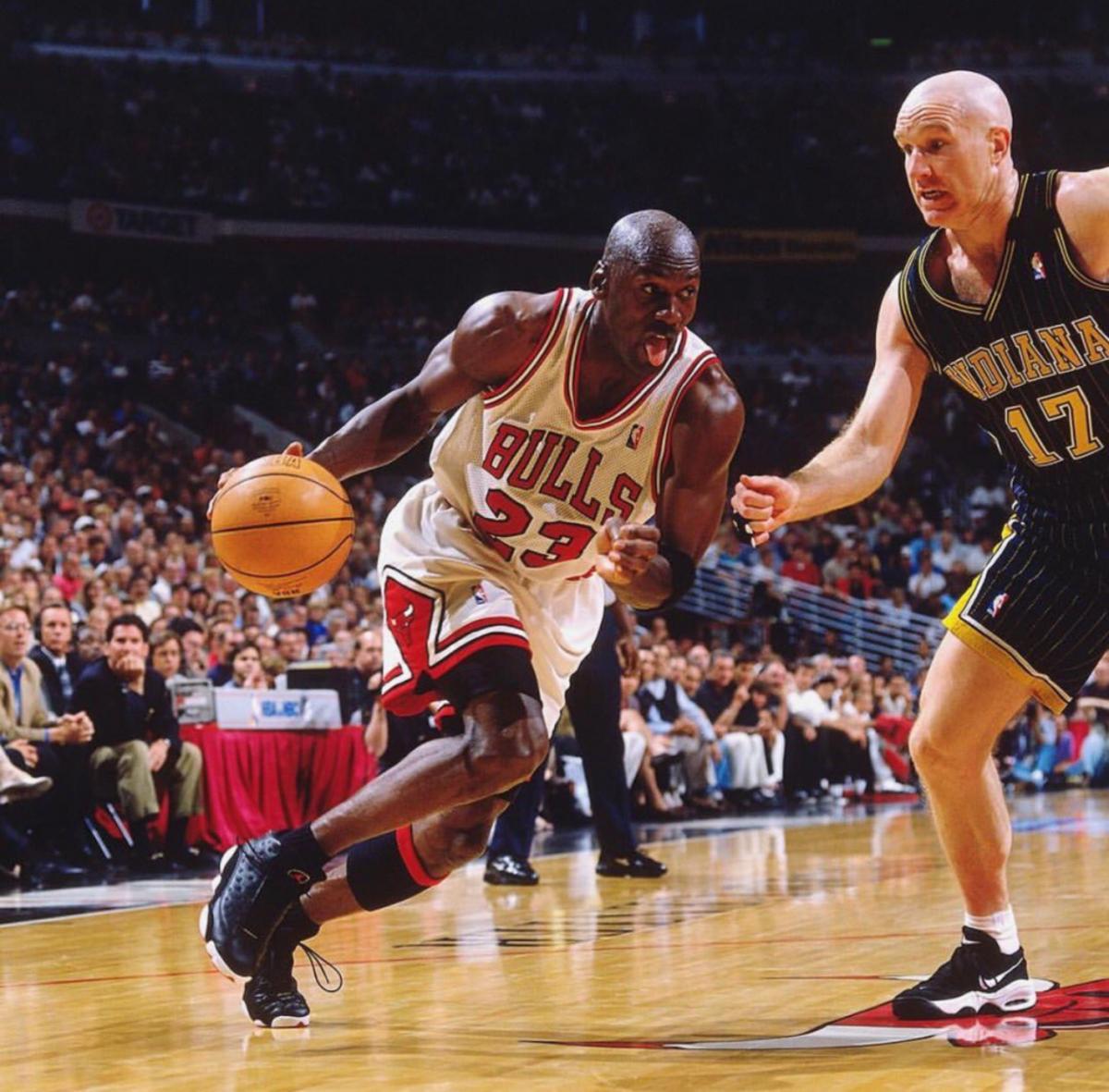 Chris Mullin vs. Michael Jordan