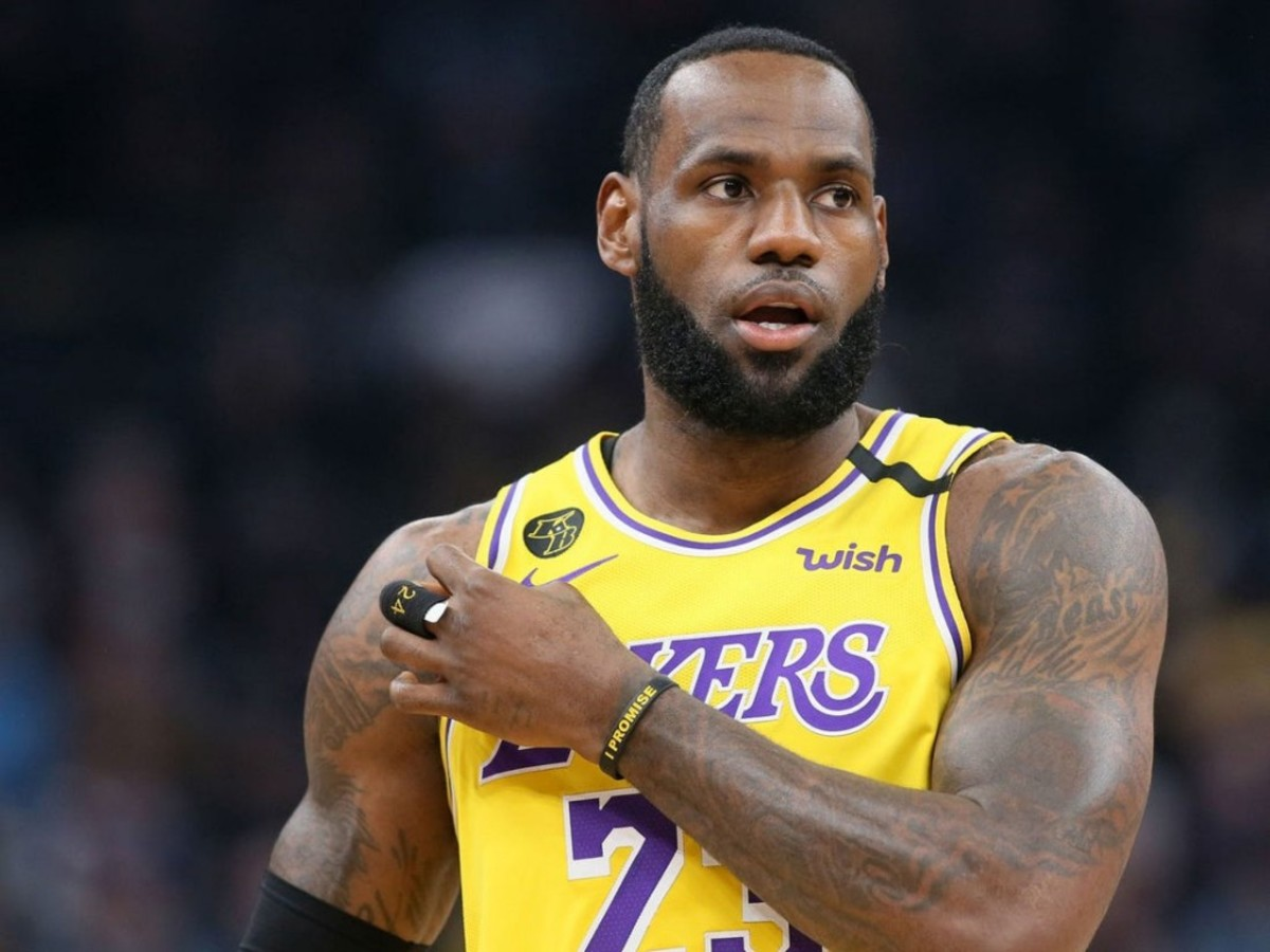 An ESPN Panel Voted LeBron's As The 2nd Greatest Player Of All Time