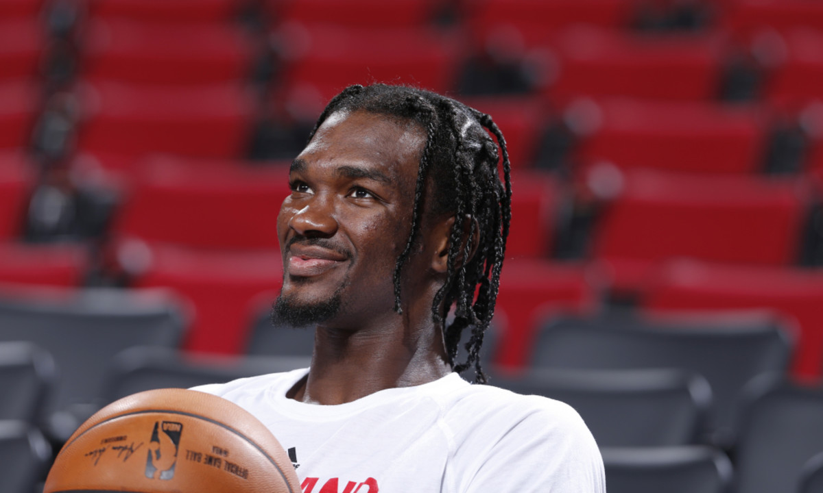 PORTLAND, OR - OCTOBER 27:  Noah Vonleh #21 of the Portland Trail Blazers is seen before the game against the LA Clippers on October 27, 2016 at the Moda Center in Portland, Oregon. NOTE TO USER: User expressly acknowledges and agrees that, by downloading and or using this Photograph, user is consenting to the terms and conditions of the Getty Images License Agreement. Mandatory Copyright Notice: Copyright 2016 NBAE (Photo by Sam Forencich/NBAE via Getty Images)