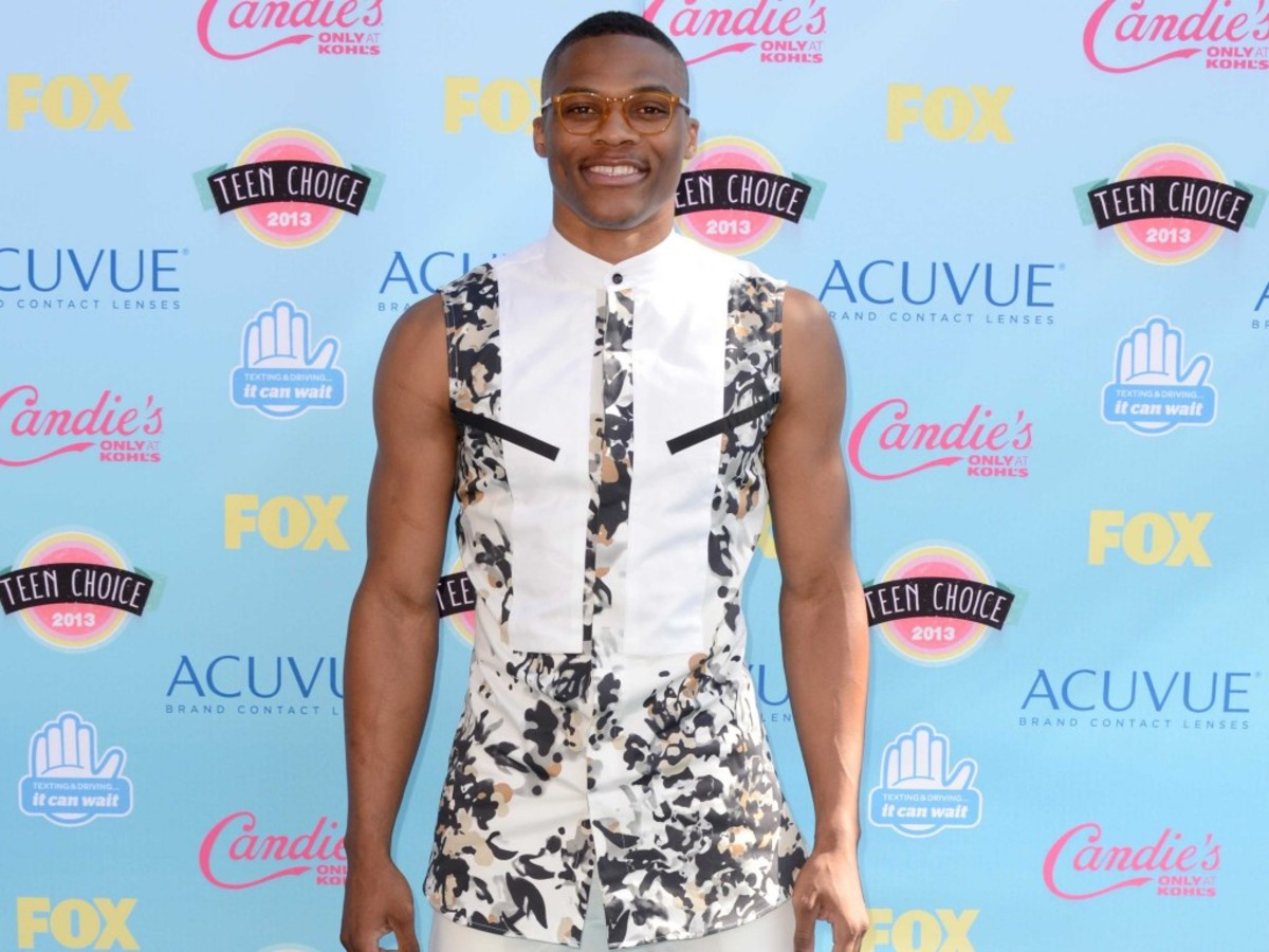 russell-westbrooks-teen-choice-awards-outfit-is-a-bad-sign-for-the-future-of-nba-fashion