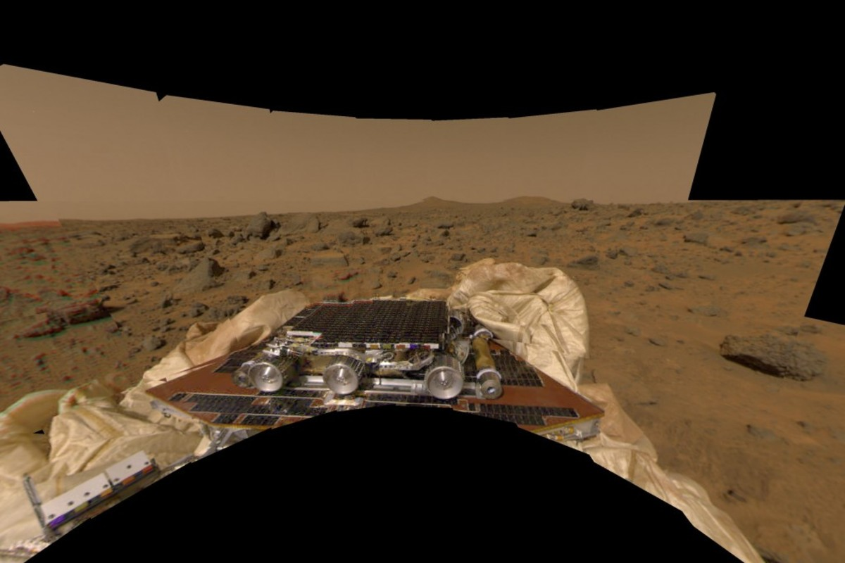 mpf_sojourner_on-mars_stowed_3000x2000