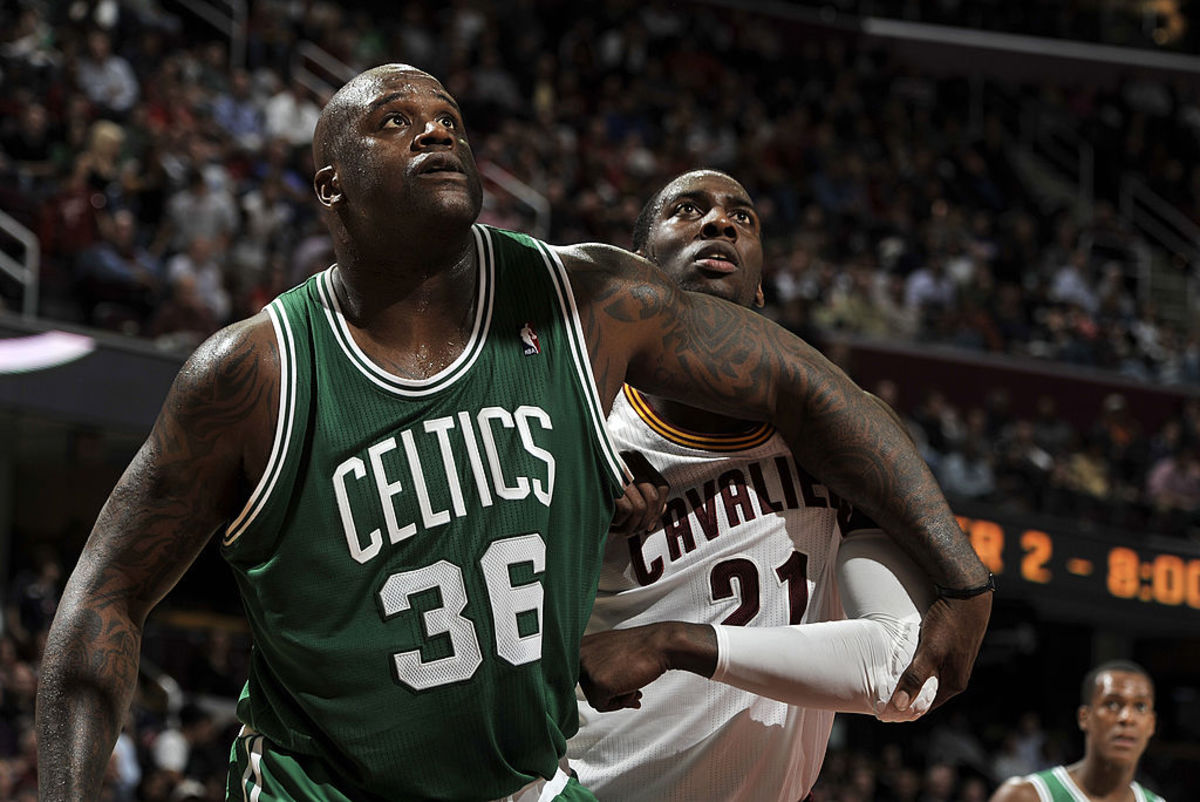 CLEVELAND, OH - NOVEMBER 30:  Shaquille O'Neal #36 of the Boston Celtics boxes out J.J. Hickson #21 of the Cleveland Cavaliers for the rebound at The Quicken Loans Arena on November 30, 2010 in Cleveland, Ohio. NOTE TO USER: User expressly acknowledges and agrees that, by downloading and/or using this Photograph, user is consenting to the terms and conditions of the Getty Images License Agreement. Mandatory Copyright Notice: Copyright 2010 NBAE (Photo by David Liam Kyle/NBAE via Getty Images)