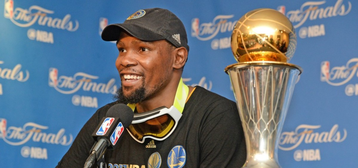 Kevin Durant Reveals His Top 5 Players Of All Time, MJ And Kobe Are The Best Players Ever