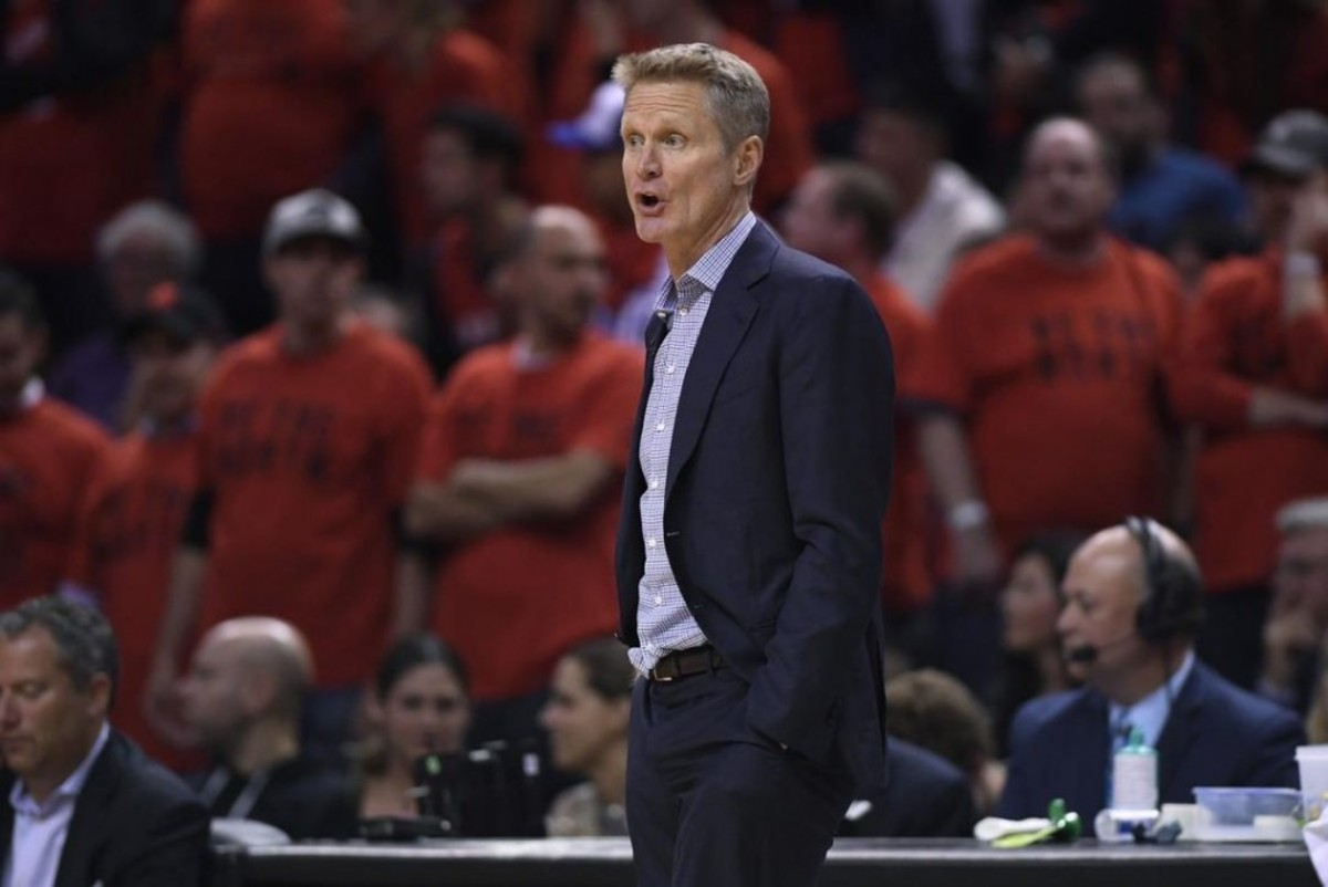 Steve Kerr Blasts U.S. Government's 'Gutless Leadership' After Mass Shootings