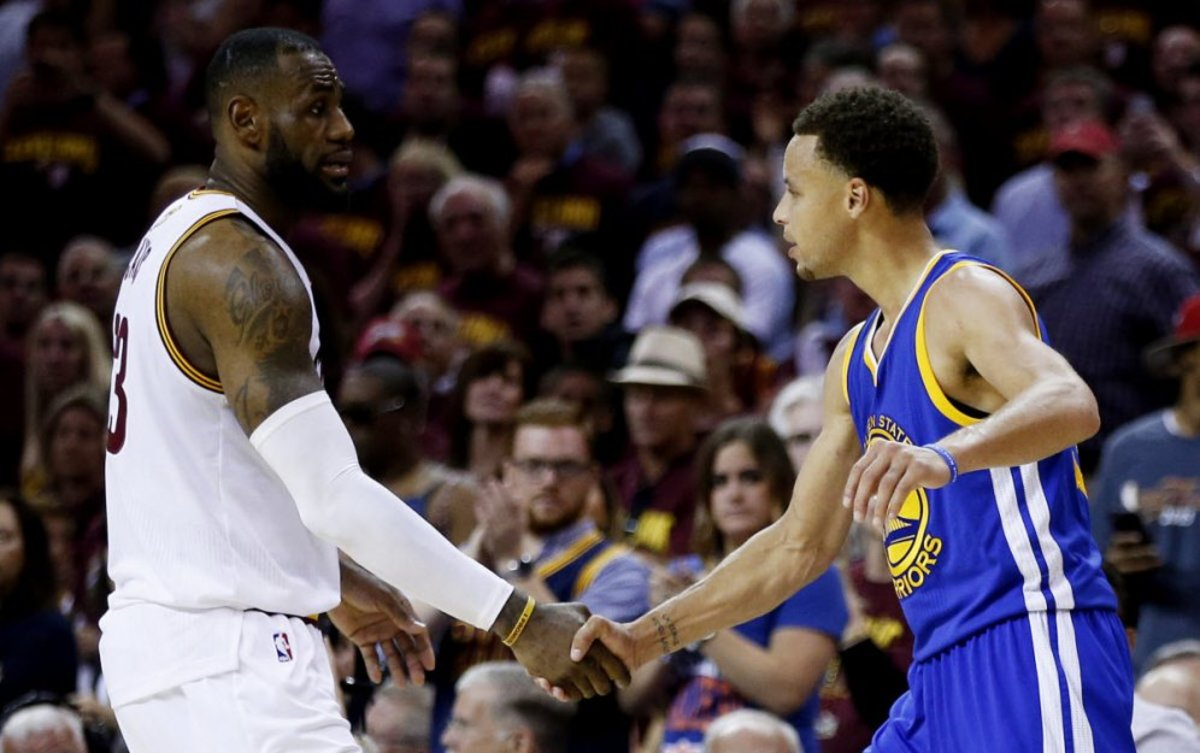 lebron-james-says-he-has-never-seen-anybody-like-stephen-curry-play-basketball