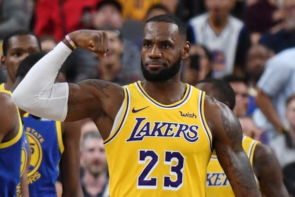 "Magic Johnson: ""I Think LeBron James Will Be The League's MVP Next Season"""
