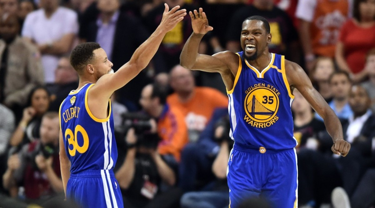 060717-nba-golden-state-warriors-kevin-durant-stephen-curry