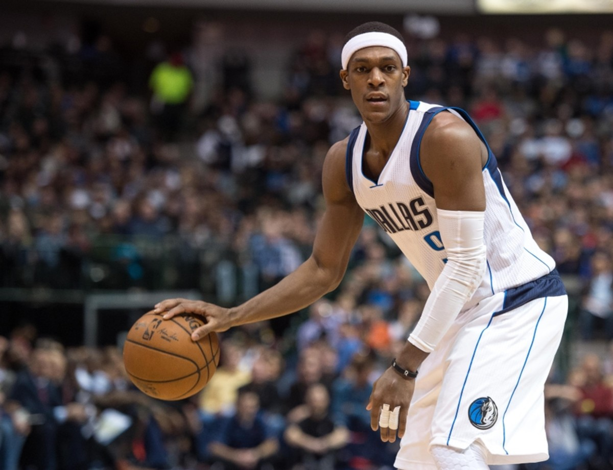 Dec 28, 2014; Dallas, TX, USA; Dallas Mavericks guard Rajon Rondo (9) looks to set the play against the Oklahoma City Thunder during the first half at the American Airlines Center. Mandatory Credit: Jerome Miron-USA TODAY Sports