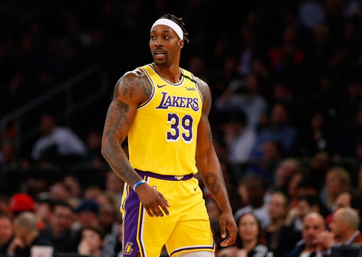 Lakers Fans Destroy Dwight Howard After He Betrayed The Lakers And Deleted A Tweet