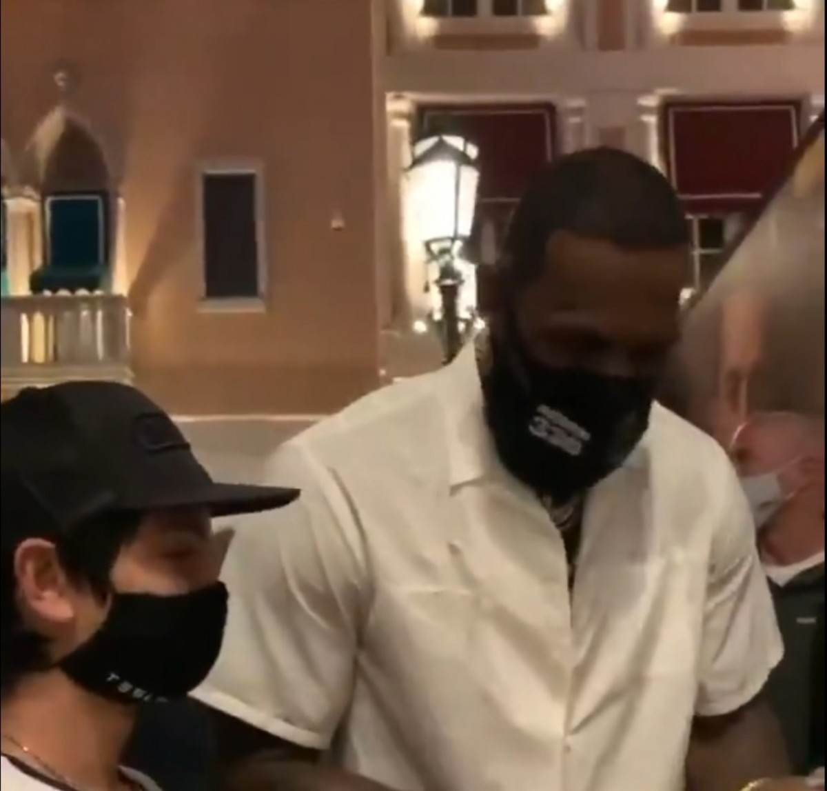 LeBron James' Incredible Gesture With Family That Waited 8 Hours To See Him