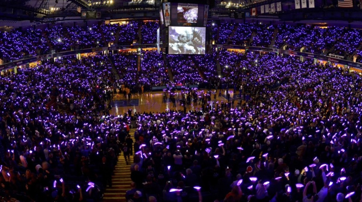 SACRAMENTO, CA - DECEMBER 26: The crowd erupts as the Sacramento Kings play host to the Los Angeles Lakers in the season opener at Power Balance Pavilion on December 26, 2011 in Sacramento, CA. NOTE TO USER: User expressly acknowledges and agrees that, by downloading and or using this photograph, User is consenting to the terms and conditions of the Getty Images Agreement. Mandatory Copyright Notice: Copyright 2011 NBAE (Photo by Rocky Widner/NBAE via Getty Images) *** Local Caption ***