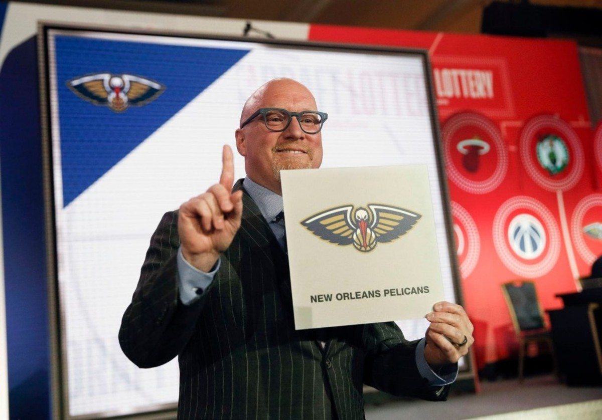 David Griffin's Lucky Tie Has Officially Won 4 Draft Lotteries