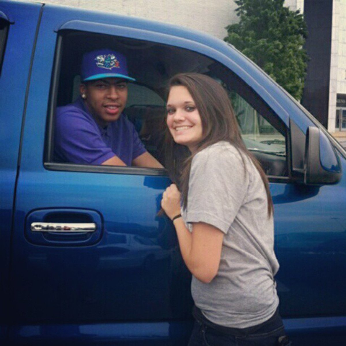 anthony-davis-wearing-a-hornets-hat