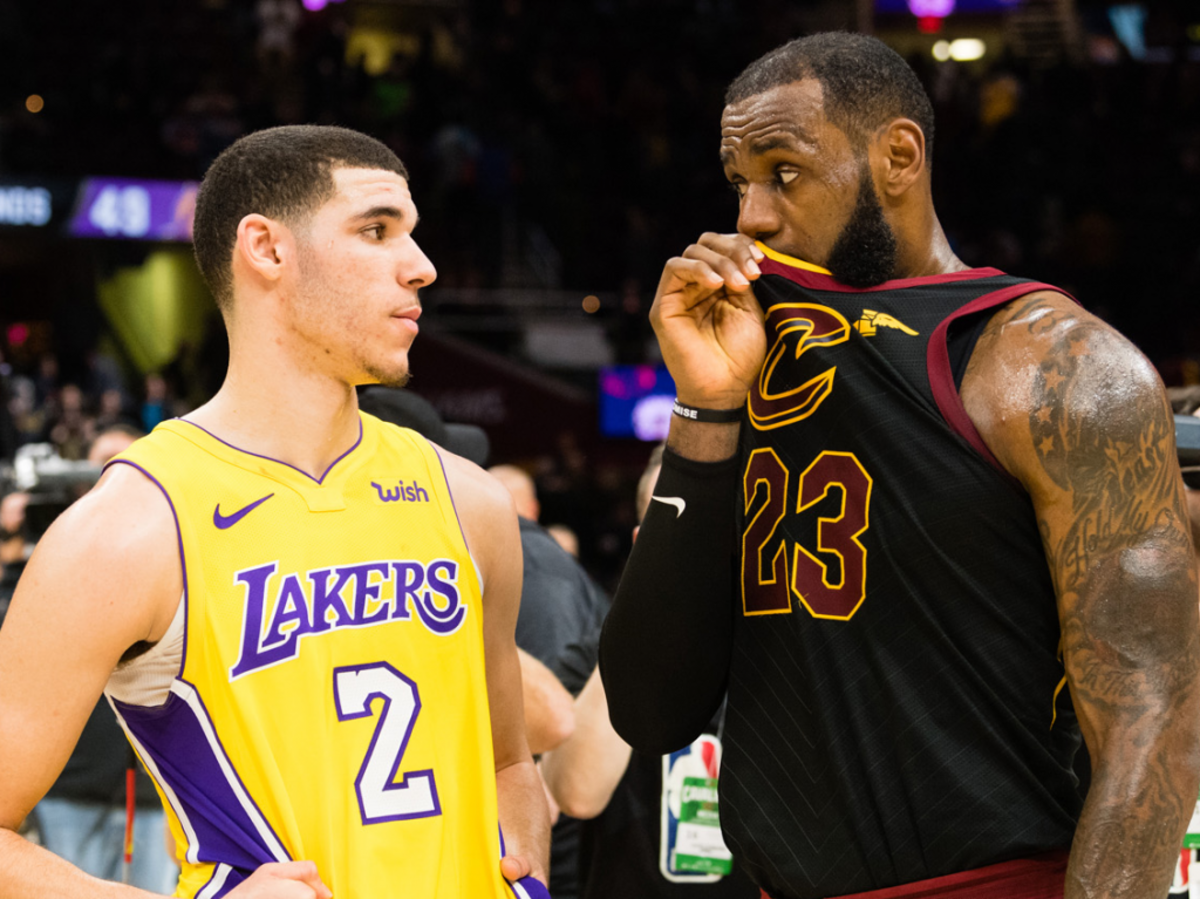 lebron-james-teased-the-nba-world-with-a-secretive-chat-with-lonzo-ball-amid-rumors-of-his-interest-in-the-lakers
