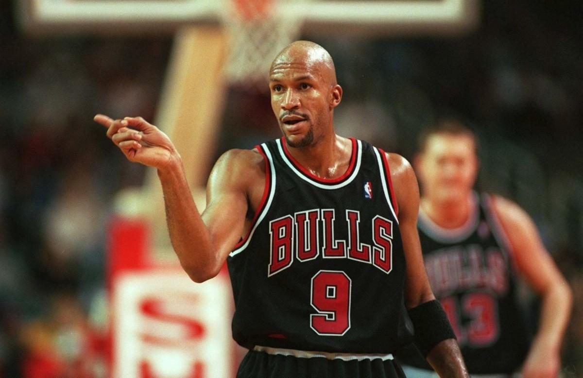 UNITED STATES - NOVEMBER 07:  NBA 97/98 CHICAGO BULLS; Ron HARPER/CHICAGO BULLS  (Photo by Alexander Hassenstein/Bongarts/Getty Images)