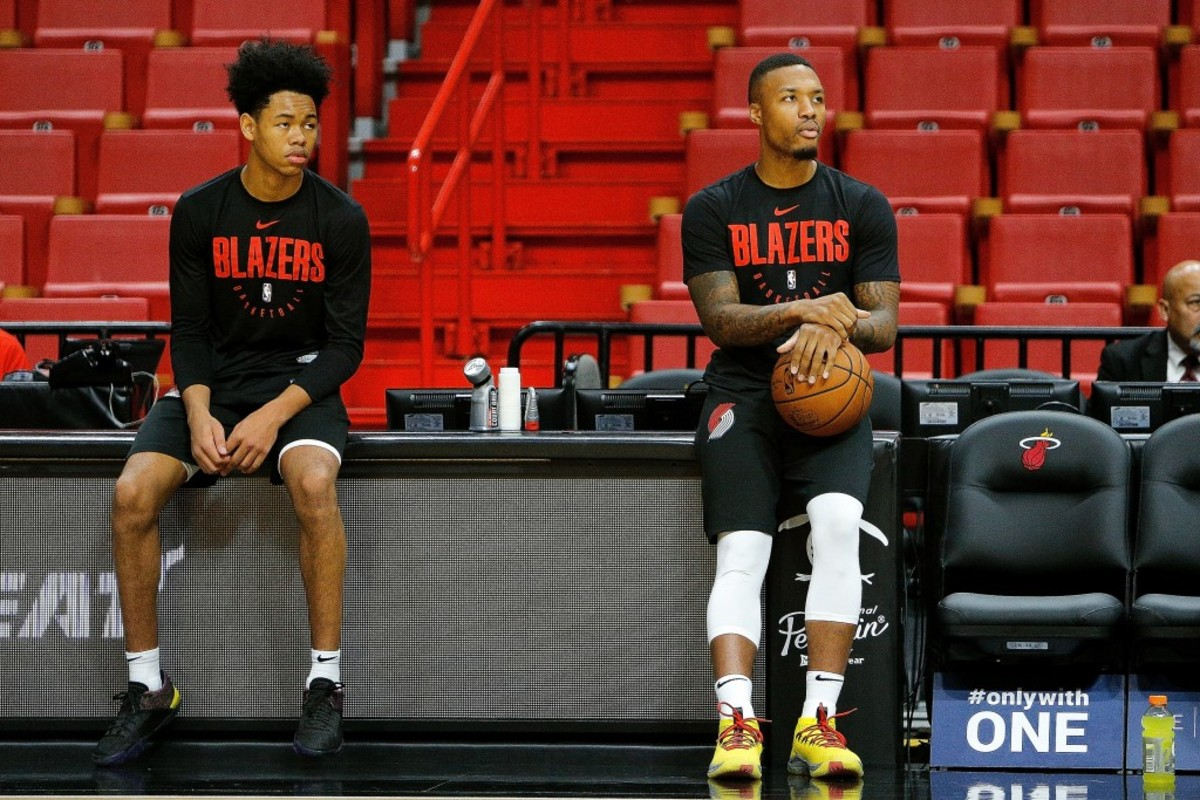Damian Lillard Hilariously Jokes With Anfernee Simons On IG Live When He Was With His Girlfriend