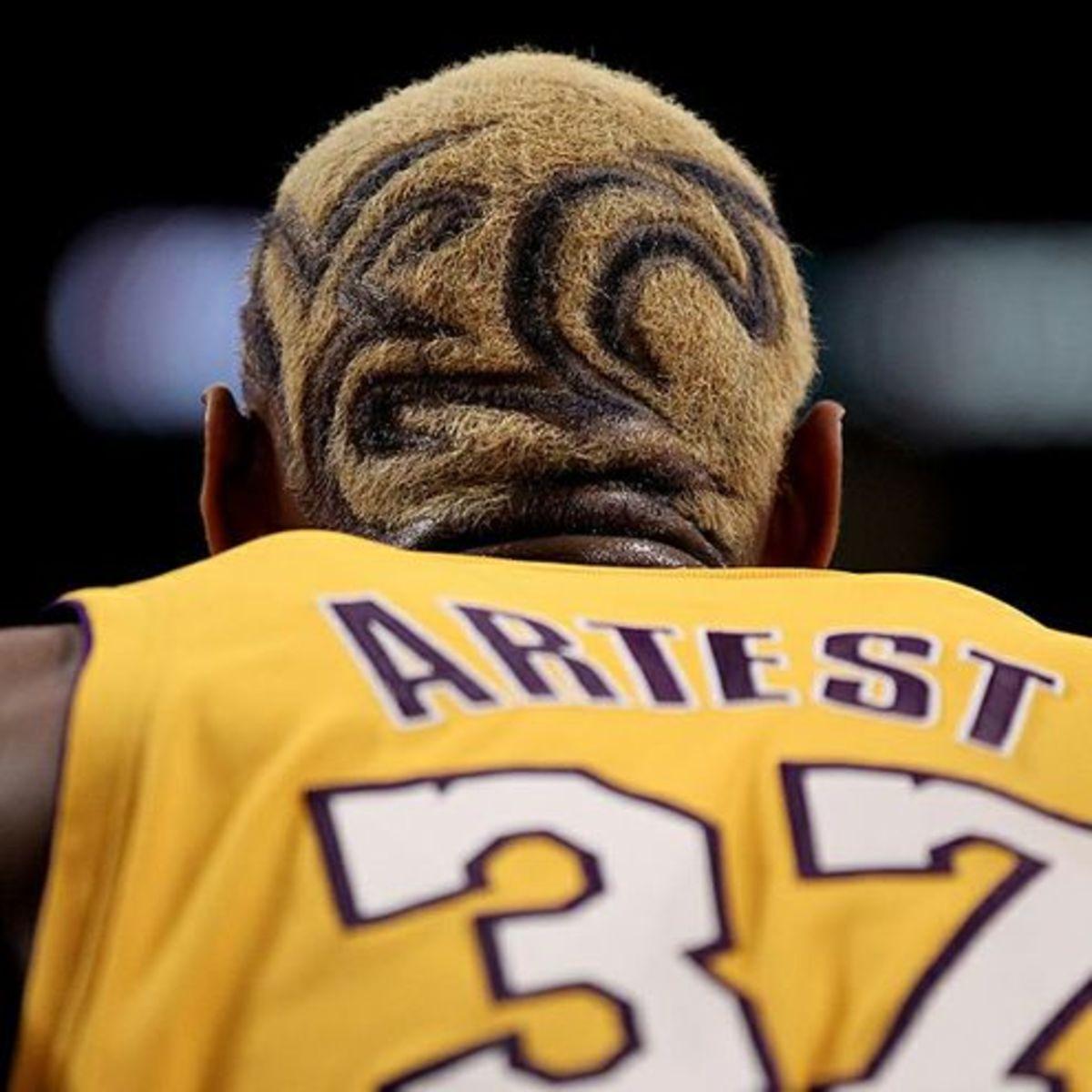 Metta-World-Peace-haircut