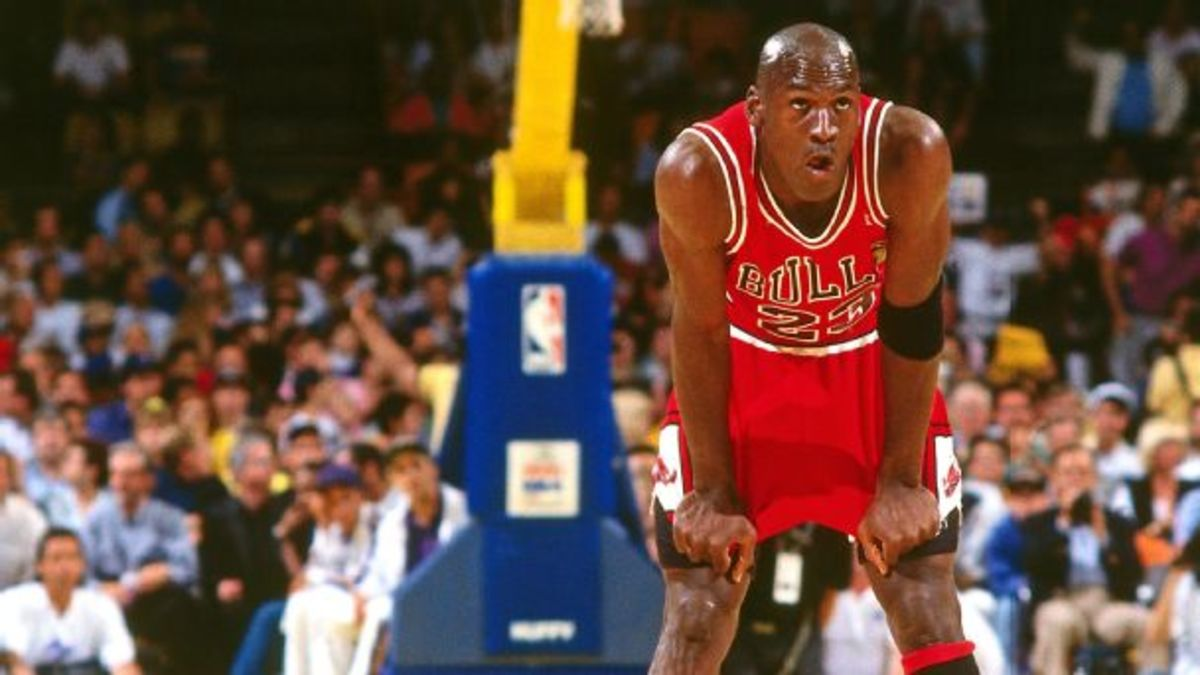 Michael Jordan Once Asked To Sit During A Finals Game Due To Severe Cramps Caused By 'GatorLode'
