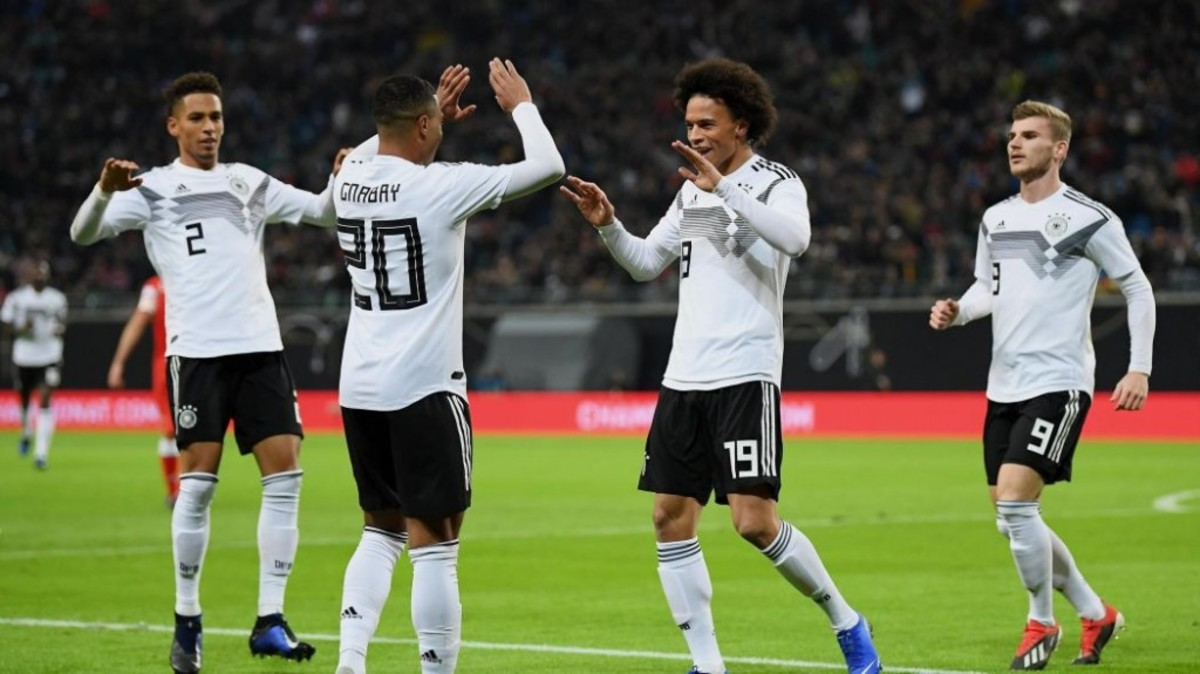 Bayern Munich Players 'Looking Forward' To Leroy Sane Arrival, According To Robert Lewandowski