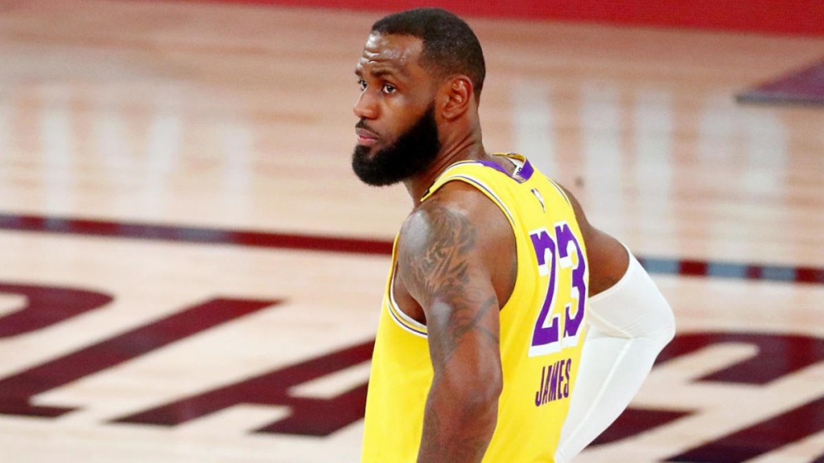 NBA Fans Start To Call The League 'National Bron Association' After Lakers Complaints On Free Throws