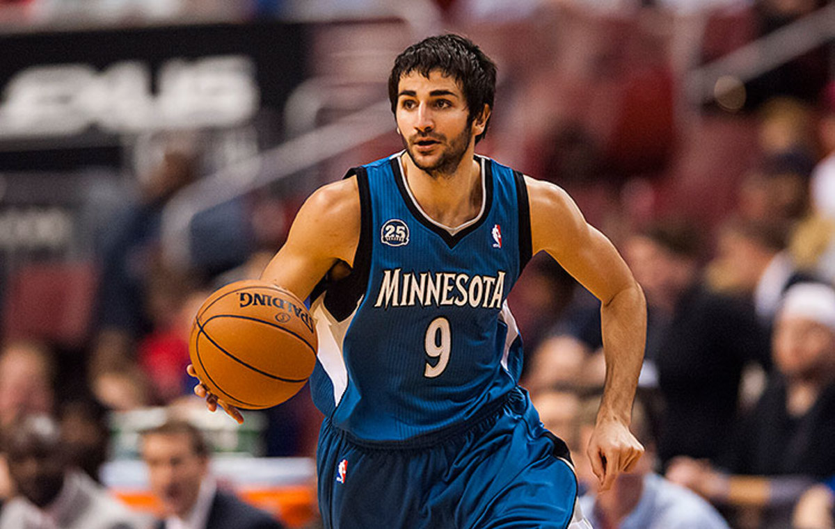 Ricky-Rubio-hunts-for-an-opening.-Cover-your-five-hole.-Howard-Smith-USA-TODAY-Sports