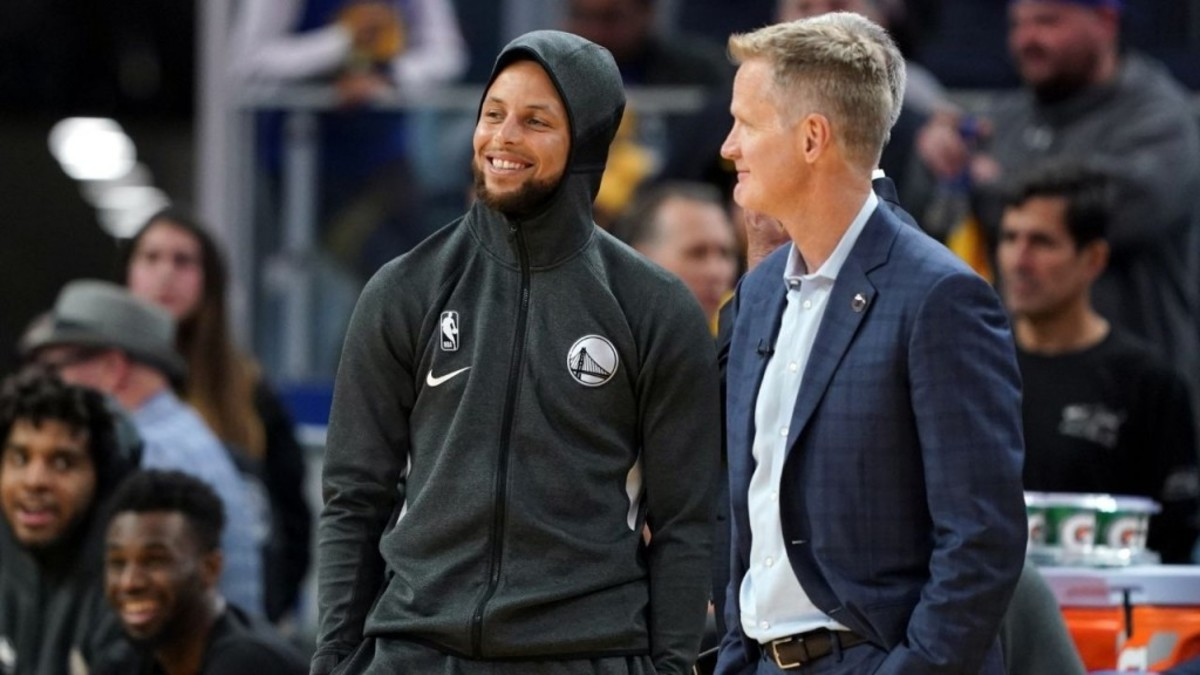 """Steve Kerr Praises Steph Curry's Elite Fighting Mentality: """"What Goes Unnoticed Is Steph Is A Killer"""""""