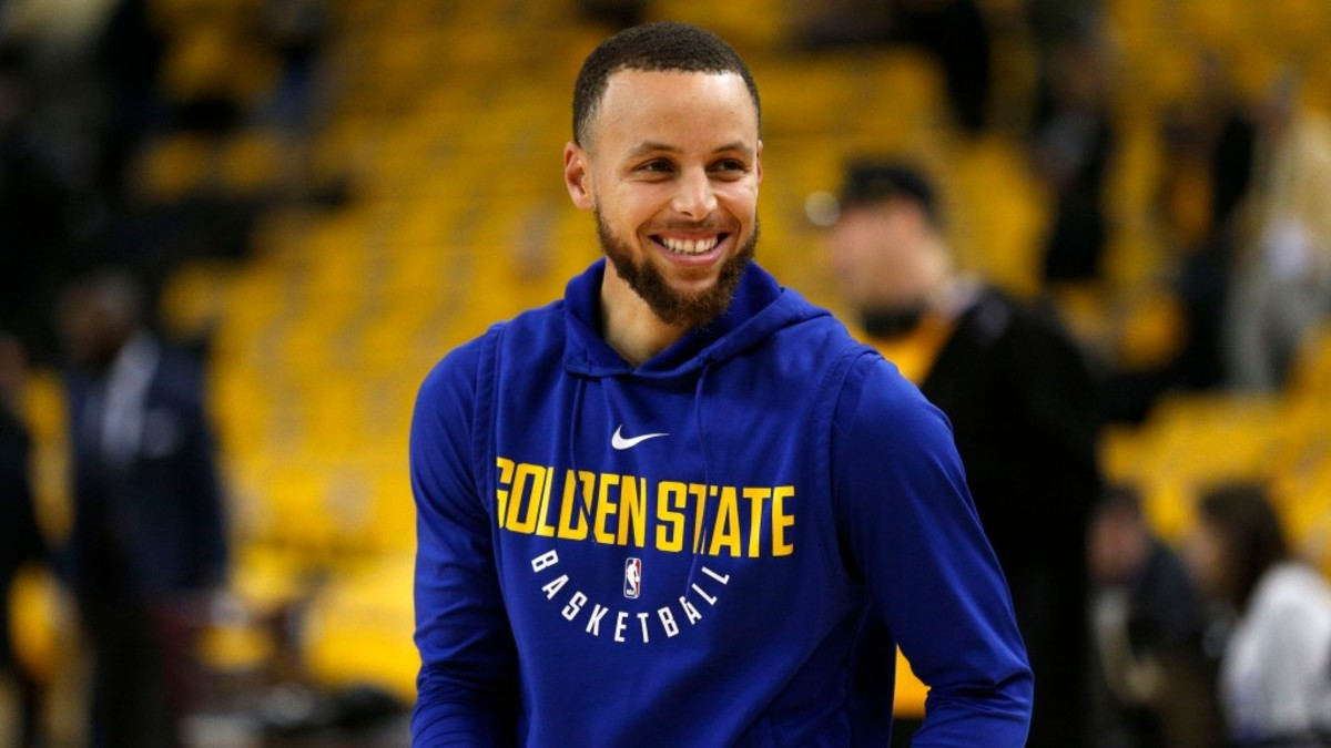 Stephen Curry Reacts To Embarrassing-Failed Dunk Attempt