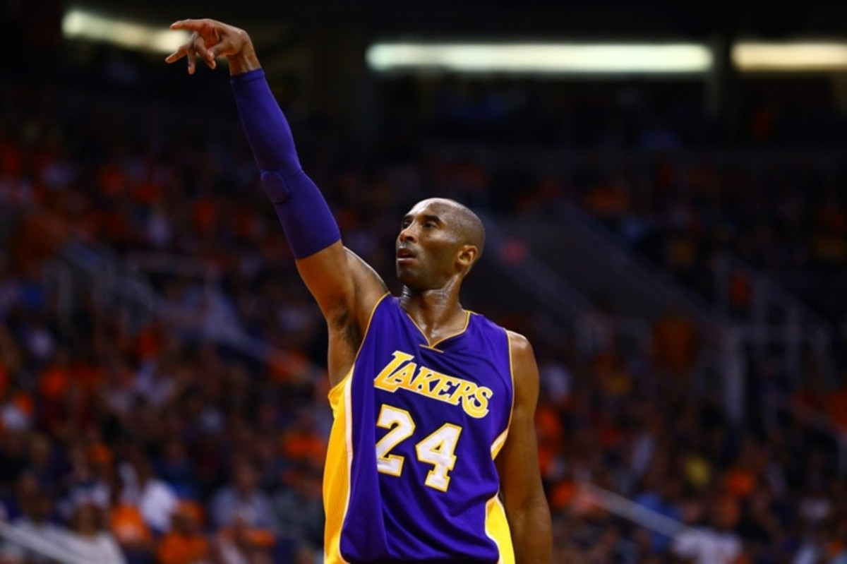 """NBA Fans React To Edited Meme Of Kobe Bryant Moonwalking After His Free Throws: """"I Wish This Was Real"""""""