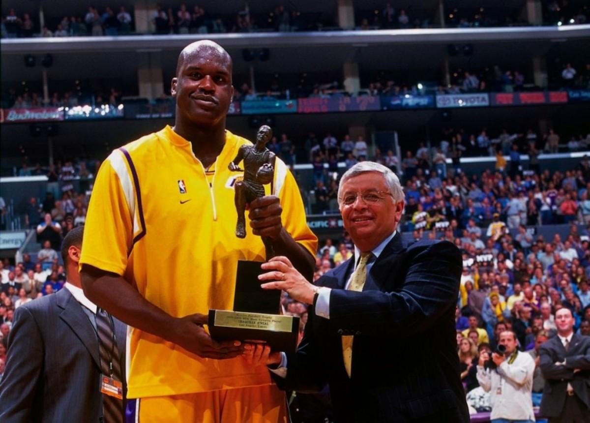 Shaq O'Neal 2000 MVP Award